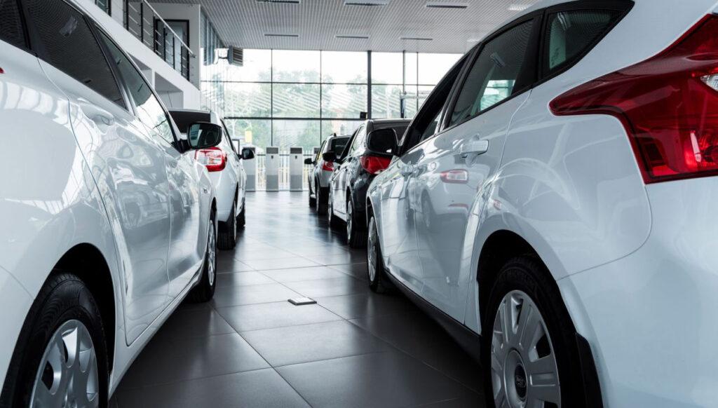 4 erros para não cometer na gestão de uma revendedora de carros. Foto/Reprodução: Greentellect_Studio no iStock