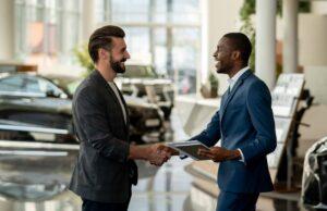 Como manter a equipe de vendas dos sonhos na sua revenda de carros. Foto/Reprodução: andresr no iStock