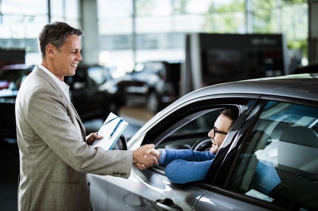 3 maneiras de atrair clientes para a sua revendedora de carros. Foto/Reprodução: skynesher no iStock